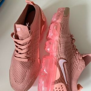 Air vapor max flyknit size 7 for women